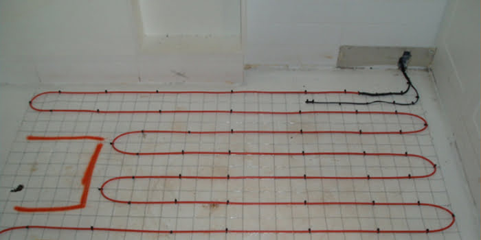 in screed floor heating